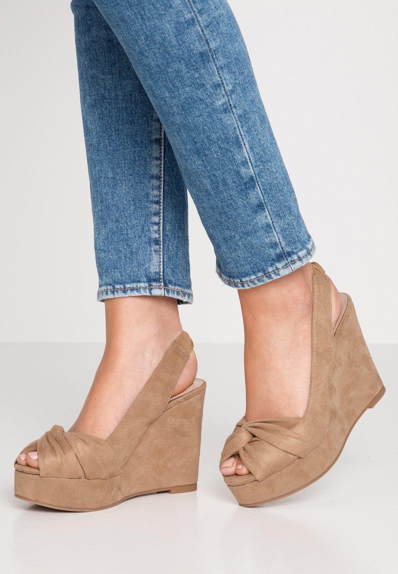 PARFOIS - Sandály na vysokém podpatku - beige