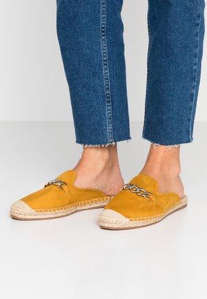 Pantofle - mustard