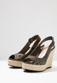 PARFOIS - Højhælede sandaletter / Højhælede sandaler - khaki - 4