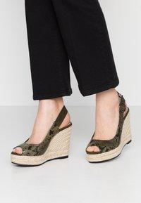 PARFOIS - Højhælede sandaletter / Højhælede sandaler - khaki - 0
