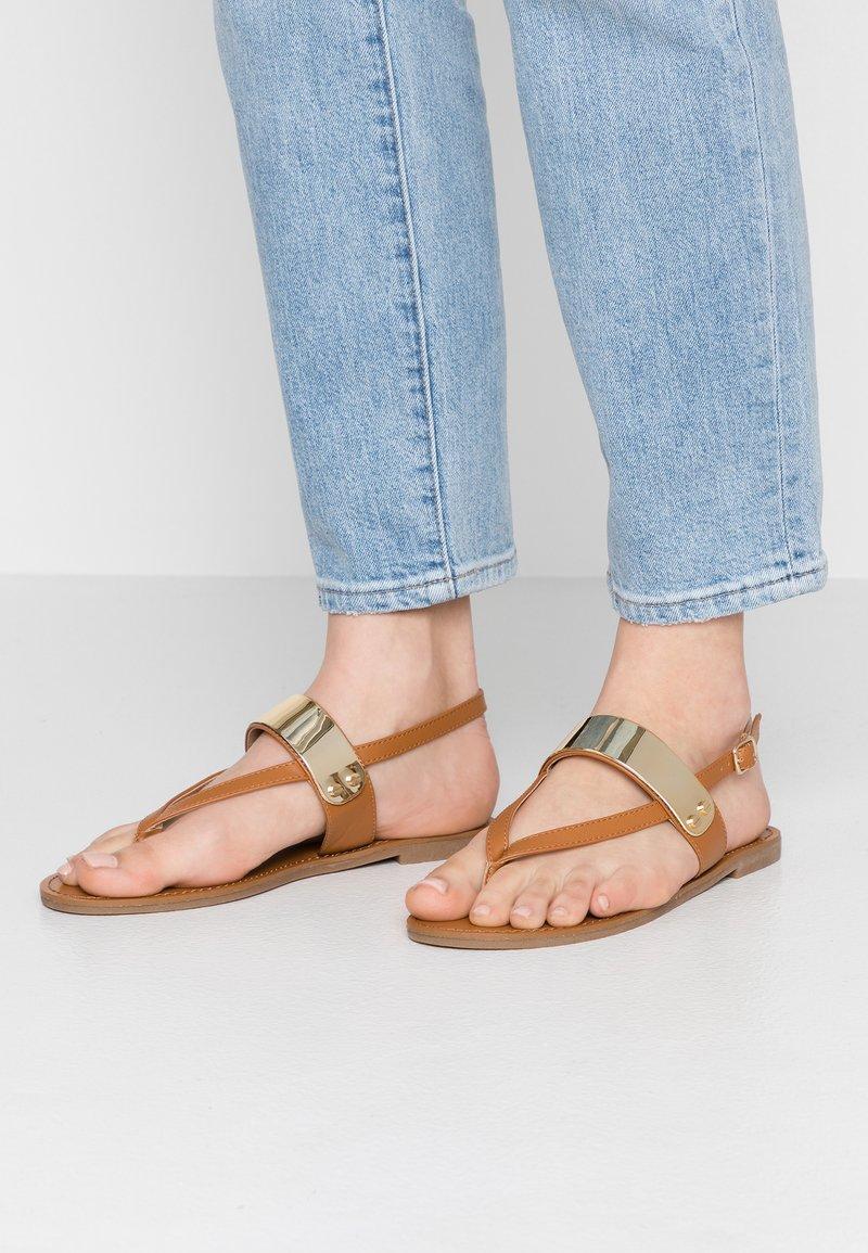 PARFOIS - Sandalias de dedo - tan