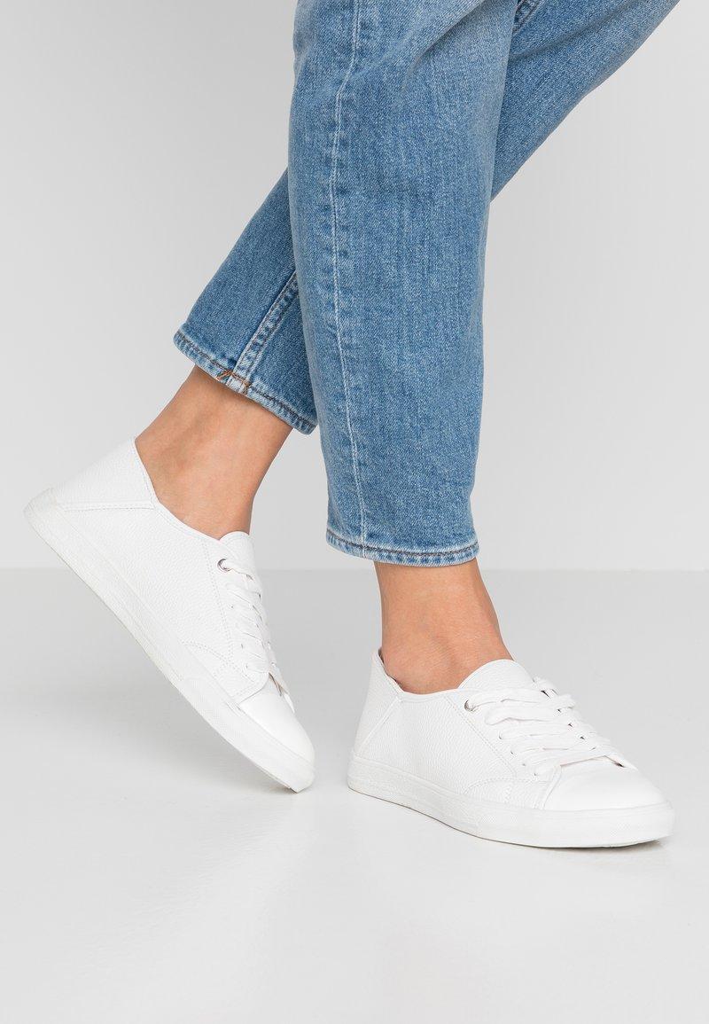 PARFOIS - Sneakers - white