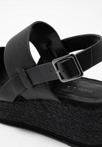 PARFOIS - Sandály na platformě - black - 2