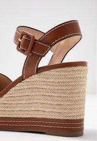 PARFOIS - Sandales à talons hauts - camel - 2