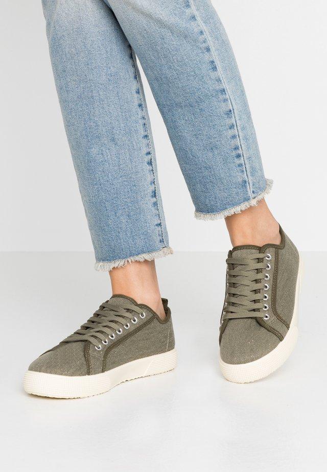 Sneaker low - khaki