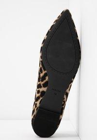PARFOIS - Ballet pumps - cream/black - 6