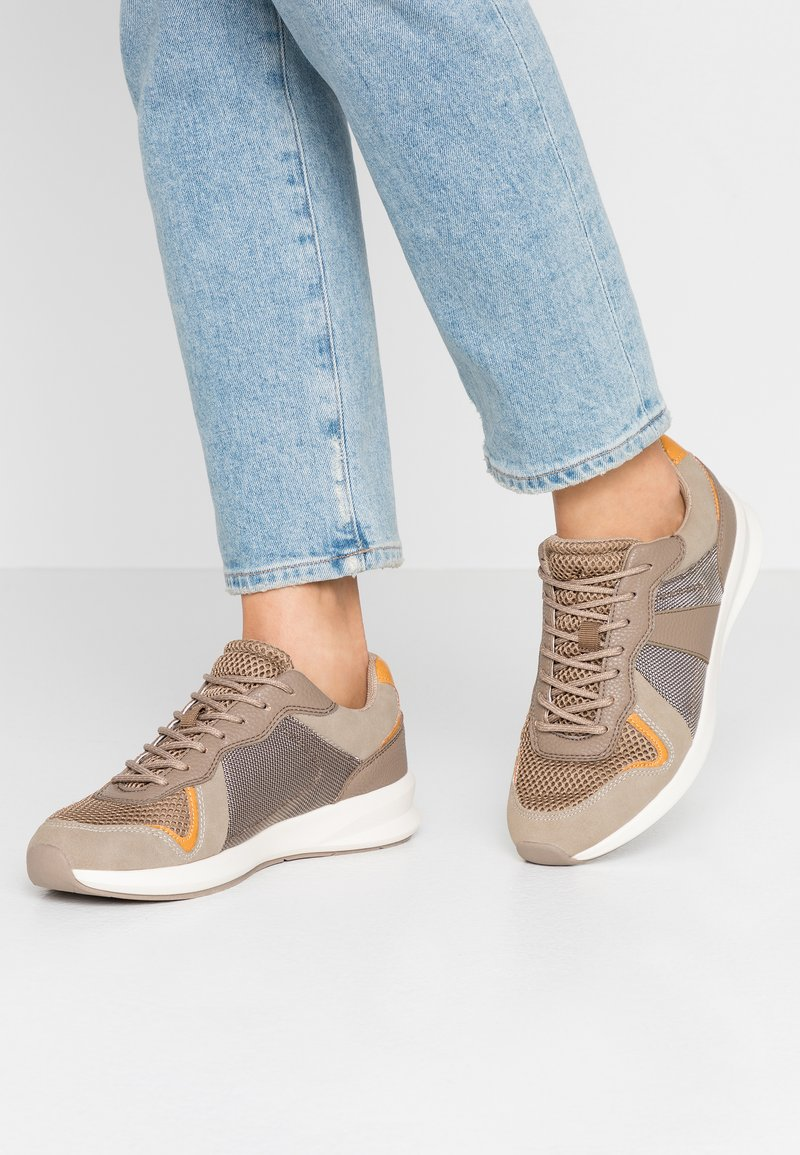 PARFOIS - Sneakers - taupe