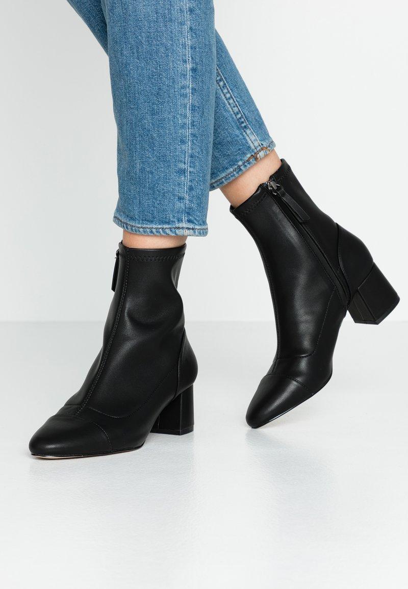 PARFOIS - Kotníkové boty - black