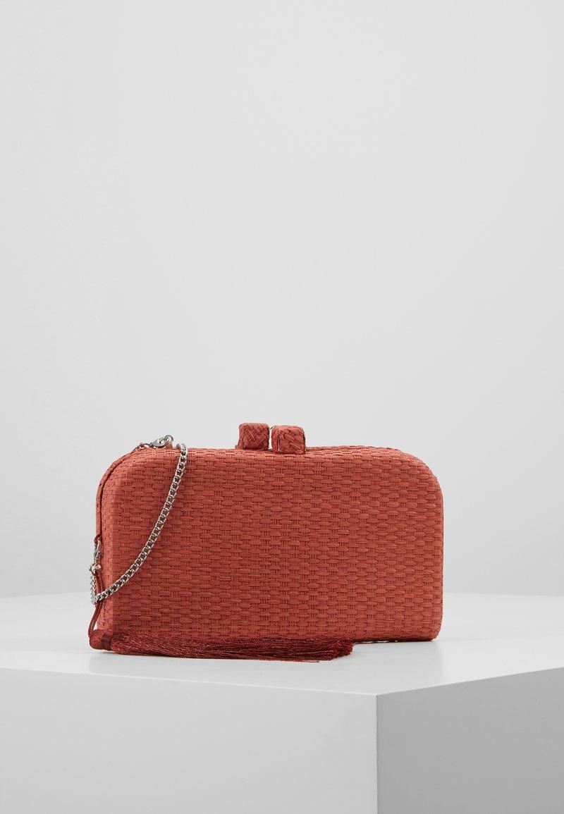 PARFOIS - Clutch - brick red