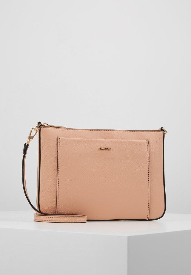 Clutch - light pink