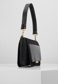 PARFOIS - Handbag - black - 4