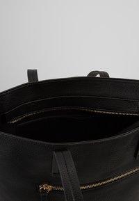 PARFOIS - Håndtasker - black - 4