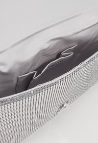 PARFOIS - Clutch - silver - 4