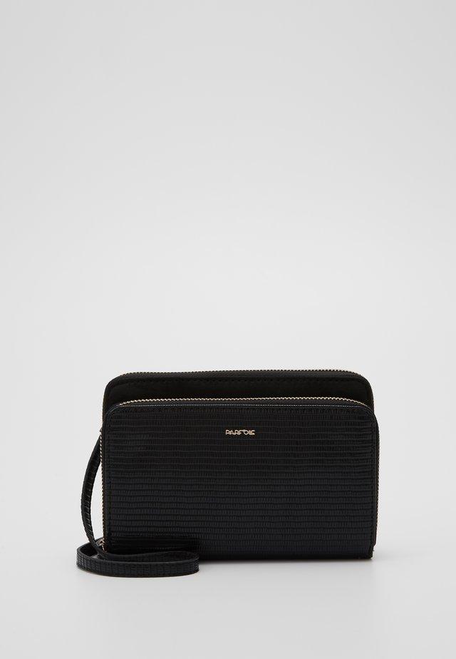 Käsilaukku - black