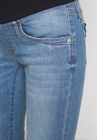 Pietro Brunelli - DEREK - Jeans slim fit - light wash - 4