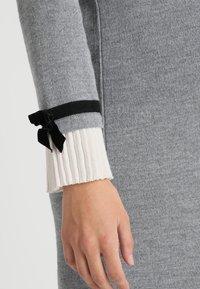 Pietro Brunelli - MAINFIELD - Stickad klänning - light grey melange - 5