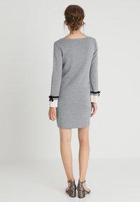 Pietro Brunelli - MAINFIELD - Stickad klänning - light grey melange - 2