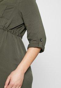 Pietro Brunelli - ISOTTA - Košilové šaty - dark sage - 6