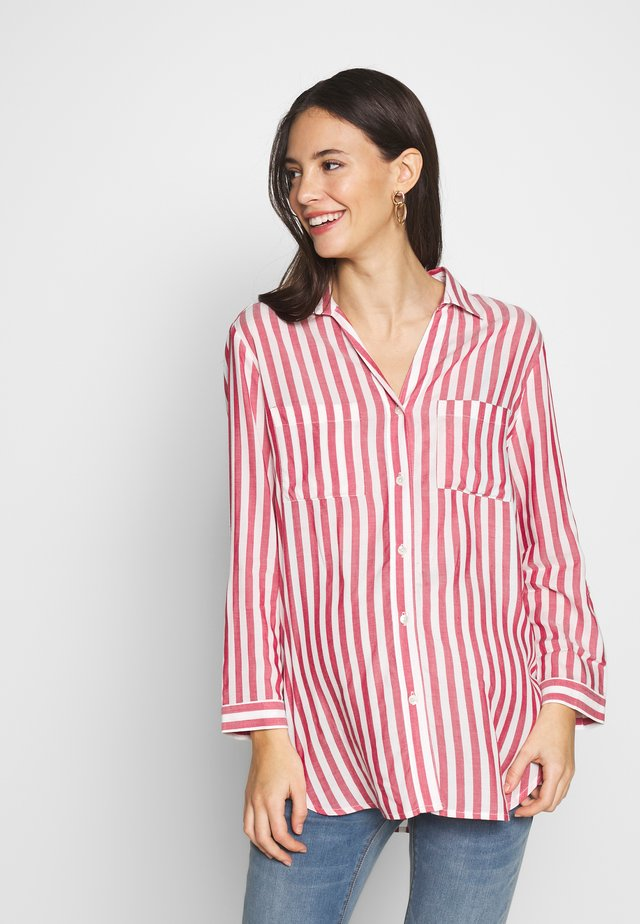 DANIELA - Button-down blouse - passion red