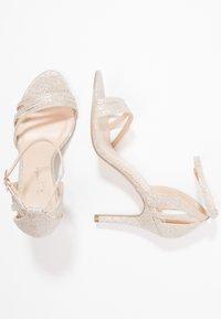 Paradox London Pink - MELODY - Sandalen met hoge hak - gold glitter - 3