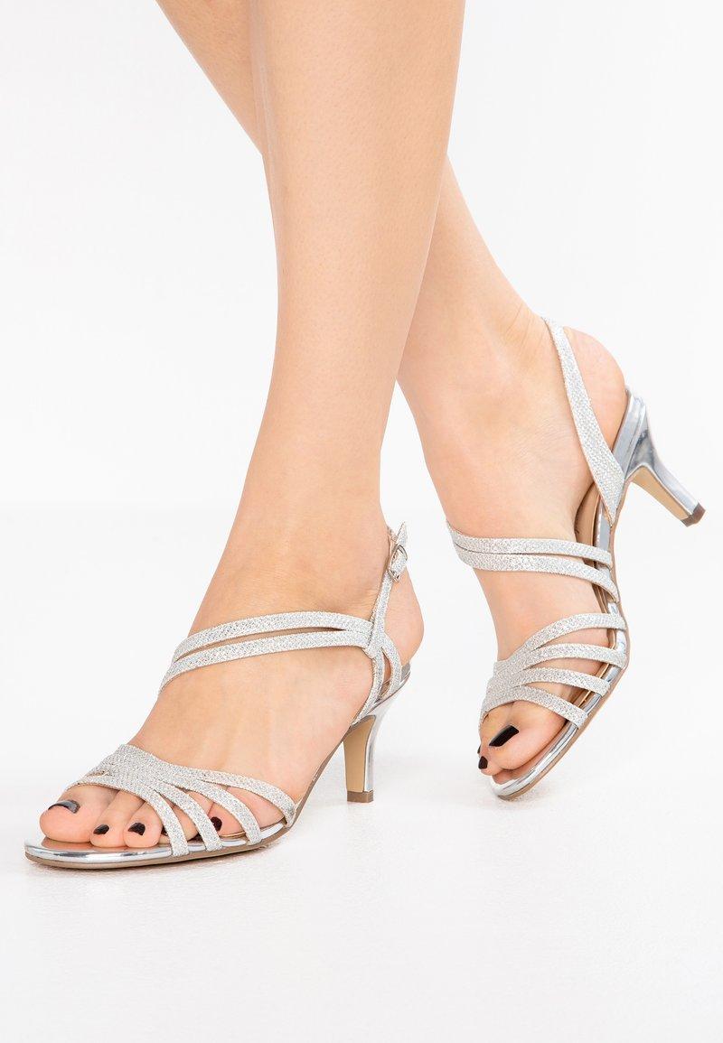 Paradox London Pink - SANIA - Sandaalit nilkkaremmillä - silver