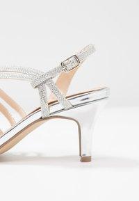 Paradox London Pink - SANIA - Sandaalit nilkkaremmillä - silver - 2