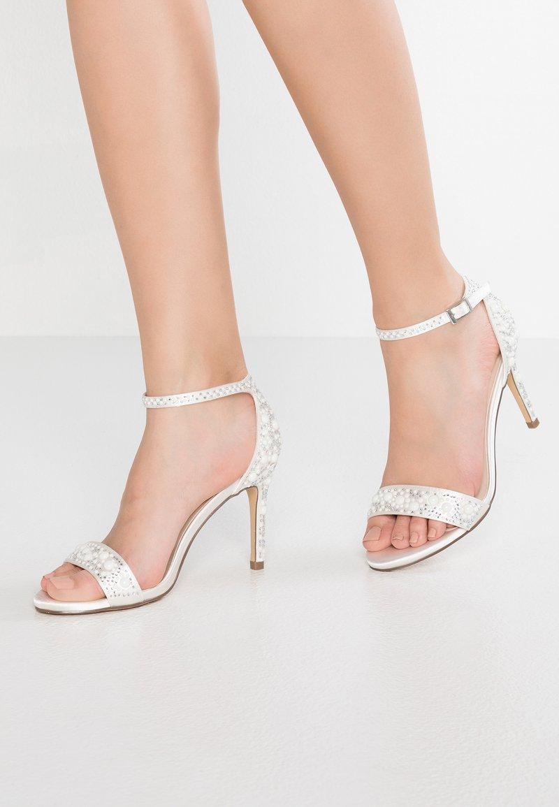 Paradox London Pink - HAMPTON - Korolliset sandaalit - ivory