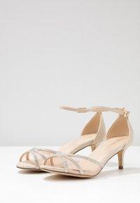 Paradox London Pink - LOLA - Sandals - champagne - 4