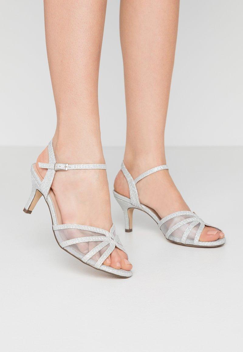 Paradox London Pink - HELICE - Sandaalit nilkkaremmillä - silver