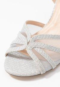 Paradox London Pink - HELICE - Sandaalit nilkkaremmillä - silver - 2