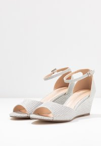 Paradox London Pink - JEMMA - Sandály na klínu - silver - 4
