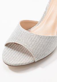Paradox London Pink - JEMMA - Sandály na klínu - silver - 2