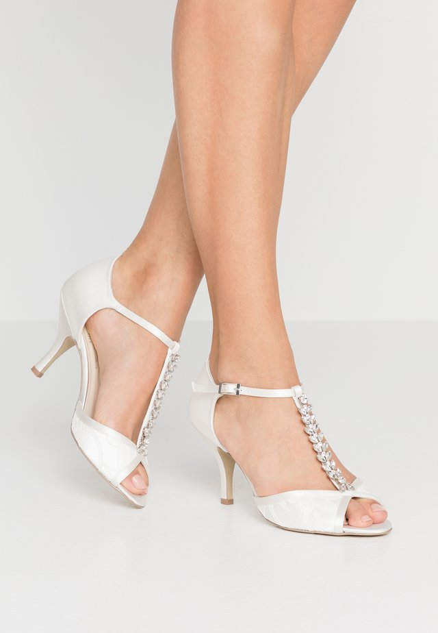 BETH - Bridal shoes - ivory