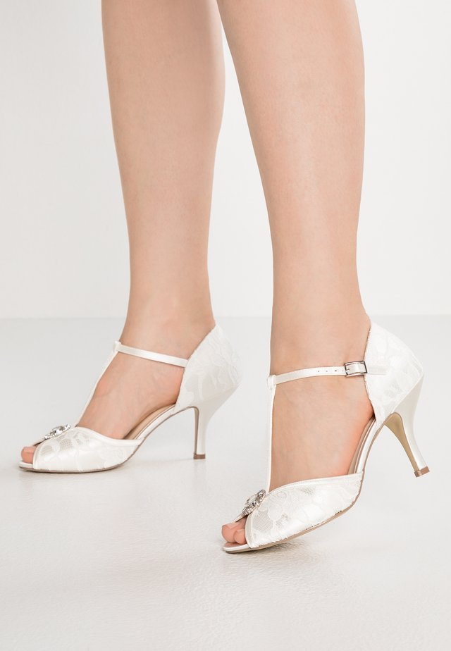 CHARLOTTE - Bridal shoes - ivory