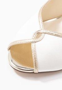 Paradox London Pink - GRETA - Svatební boty - ivory - 2
