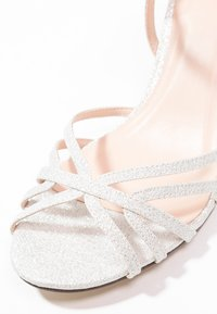 Paradox London Pink - HARPER - Sandály - pale silver - 6
