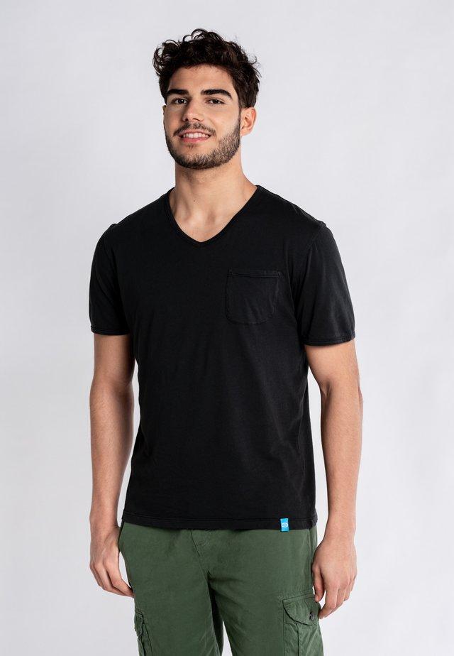MOJITO  - Basic T-shirt - black