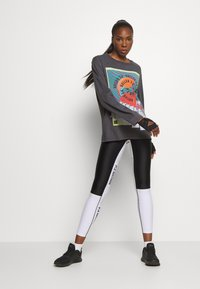 P.E Nation - OVERHEAD - Long sleeved top - dark grey - 1