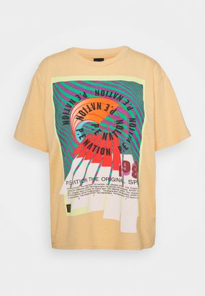 OVERHEAD TEE - Print T-shirt - orange pale
