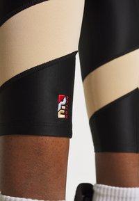 P.E Nation - FIELD GOAL LEGGING - Leggings - black - 5