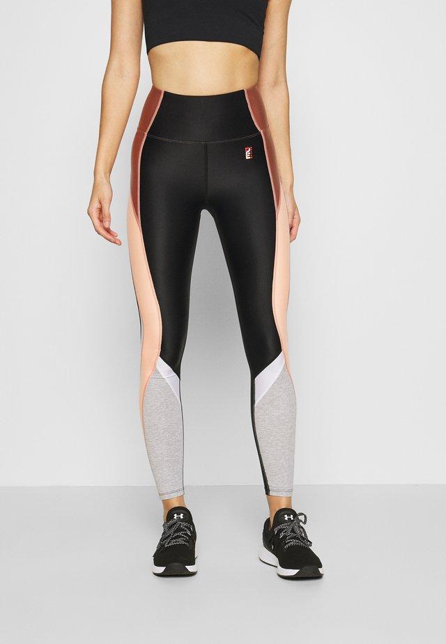 FIELD RUN LEGGING - Collants - black