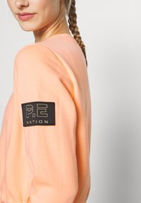 P.E Nation - REPLAY  - Sweatshirt - poppy peach - 5