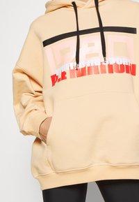 P.E Nation - REPLAY HOODIE - Hoodie - caramel cream - 3