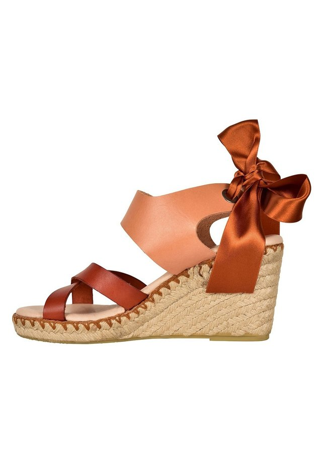 FIONA  - Wedge sandals - pink