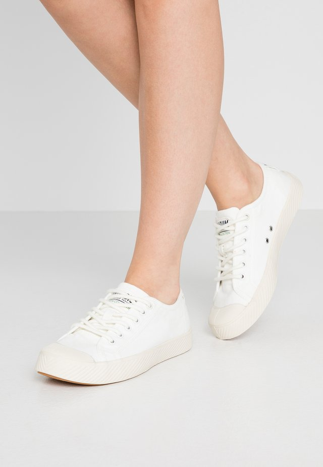 PALLAPHOENIX  - Sneakers - star white