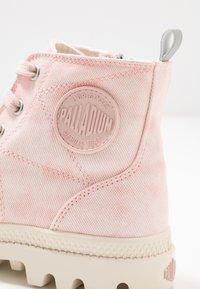 Palladium - PAMPA ZIP DESERTWASH - Boots à talons - pink - 2