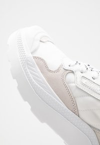 Palladium - PALLAKIX 90 LOW - Zapatillas - star white/white - 5