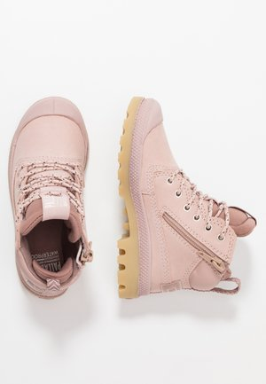 OUTSIDER WP - Lace-up ankle boots - rose dust