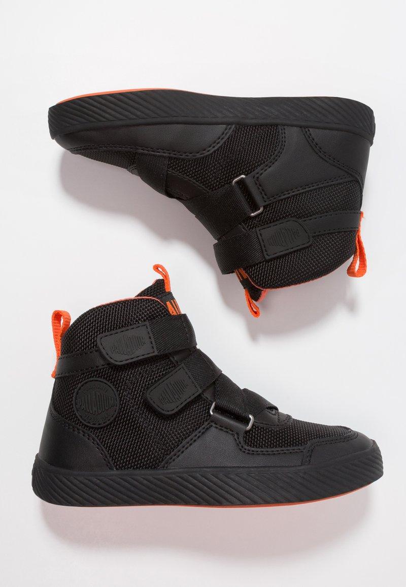Palladium - PALLASTREET MID - Sneakersy wysokie - black/firecracker