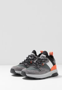 Palladium - AXEON - Sneakers - forged iron - 3